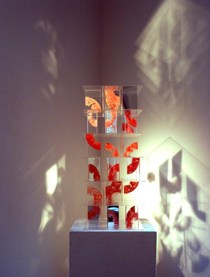 Acrylglasobjekt Spiegelungen Ausstellung Zeichen Staedtische_Galerie Ditzingen Hanke Kuenstler