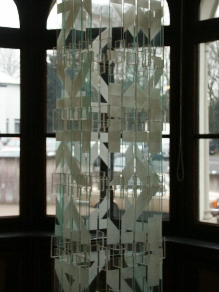 acrylglasobjekt_fenster ausstellung_zeichen-haft museum_siegen hanke kuenstler