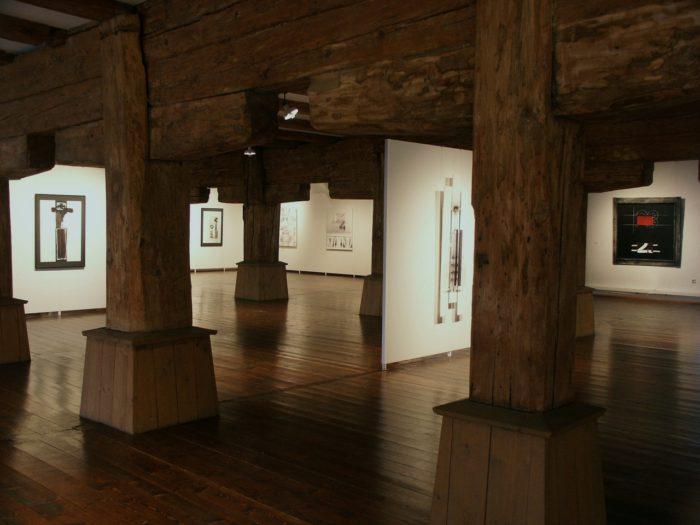 Ambiente Ausstellung Zeichen_Haft Regensburg Staedtische_Galerie Hanke Kuenstler