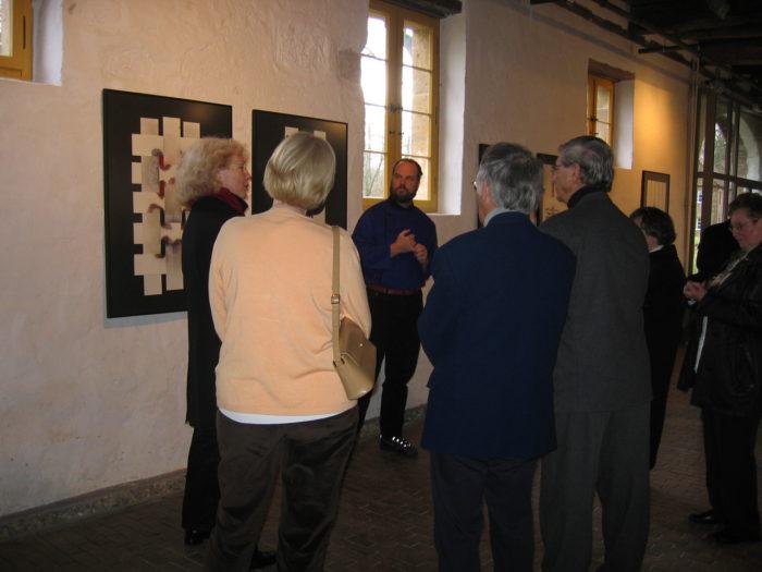 Eroeffnungsvortrag Kuenstler r.hanke Ausstellung Zeiche-Haft